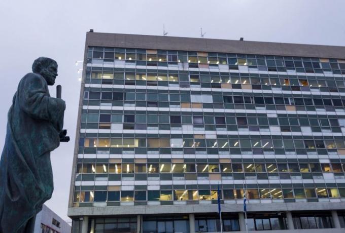 Θεσσαλονίκη: Αυτοκτόνησε καθηγητής του ΑΠΘ έξω από το γραφείο του!