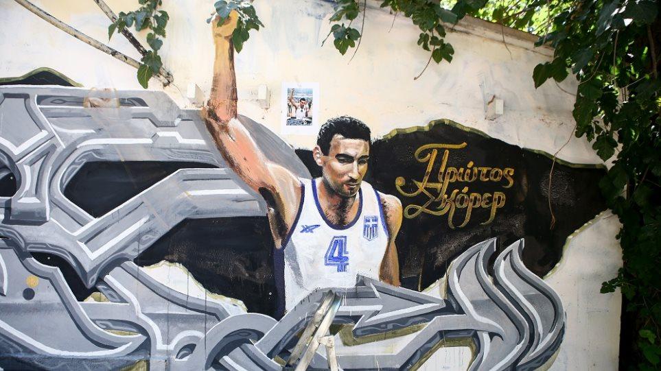 Βανδάλισαν ξανά το γκράφιτι του Γκάλη!