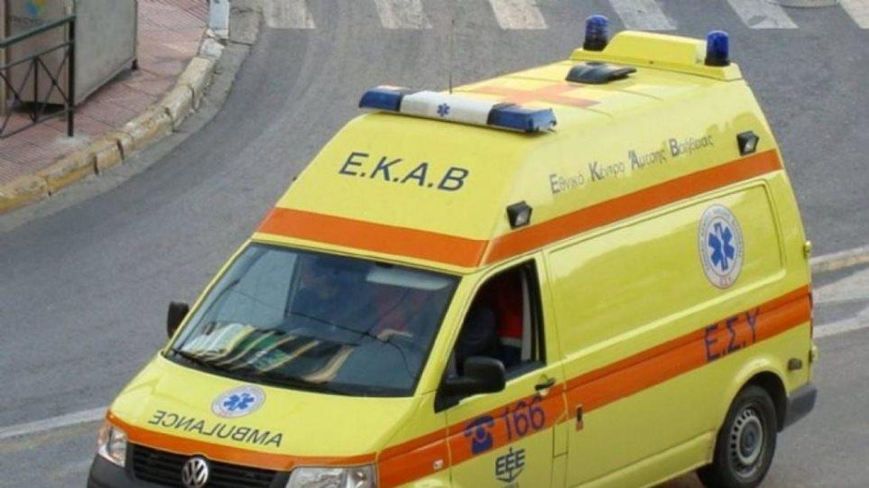 Σεισμός στην Αθήνα: Κλήσεις στο ΕΚΑΒ για τραυματισμούς από θραύσματα και σπασμένα τζάμια