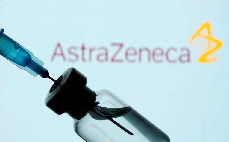 Στον πάγο το εμβόλιο της Astra Zeneca