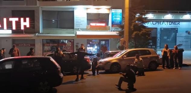 Καραντίνα-Εύοσμος: Έσπασαν την μονοτονία με Λένα Ζευγάρα και ζεϊμπέκικο της Ευδοκίας! (ΒΙΝΤΕΟ)