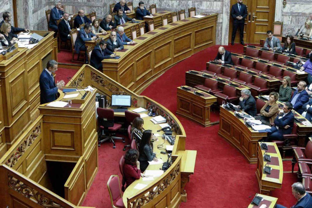 Τσίπρας σε Μητσοτάκη: «Δεν είστε μόνο ψεύτης αλλά και δειλός» – Δείτε την απάντηση του πρωθυπουργού!
