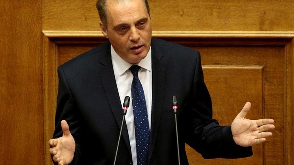 Βελόπουλος: Η Τουρκία δεν προκαλεί, διεκδικεί!Όταν σου έρχεται ο Τούρκος στο Σούνιο ή στο Καστελόριζο τον βυθίζεις! Αλλιώς θα πάει και στη Ζάκυνθο και στην Κεφαλονιά!