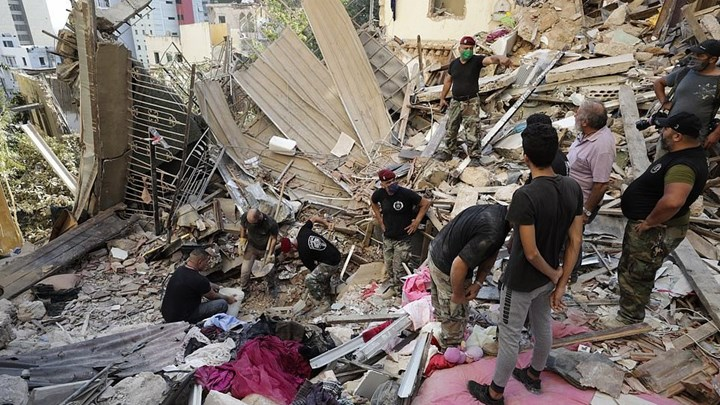 Βηρυτός: Εικόνες βιβλικής καταστροφής – Στους 137 ο αριθμός των νεκρών (βιντεο)
