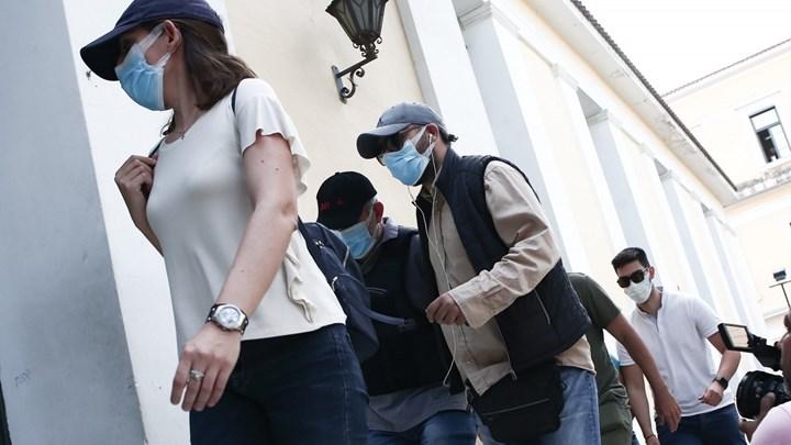 """ΕΚΤΑΚΤΟ: Προφυλακιστέος κρίθηκε ο """"μαϊμού"""" γιατρός"""