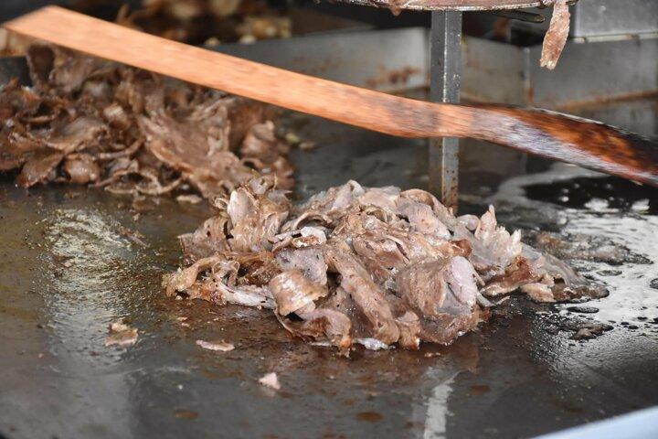 Αλεσμένα κόκαλα, αλεσμένη σόγια και σιρόπια μέσα στον γύρο… Τουρκίας!