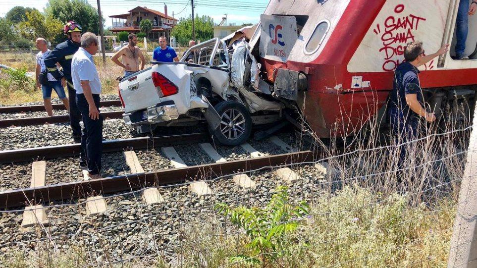 Τραγωδία στα Διαβατά: Νεκρή έγκυος μετά από σύγκρουση τρένου με ΙΧ! (φωτο)