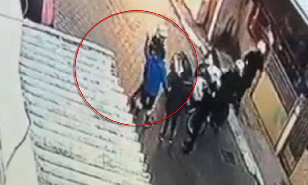 Περίεργο περιστατικό! Αστυνομικός της ομάδας ΔΙΑΣ χαστουκίζει ανήλικο Ρομά! Οι αστυνομικοί που βρίσκονταν στο περιστατικό έχουν τεθεί σε διαθεσιμότητα! (ΒΙΝΤΕΟ)
