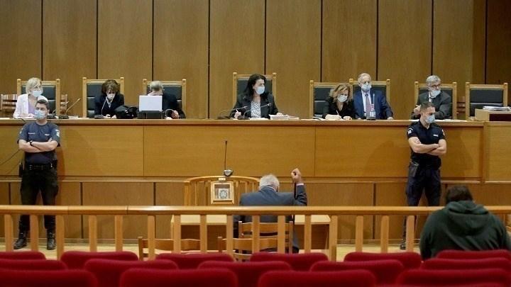 Δίκη Χρυσής Αυγής: Το δικαστήριο ζήτησε από την εισαγγελέα να συμπληρώσει την πρότασή της