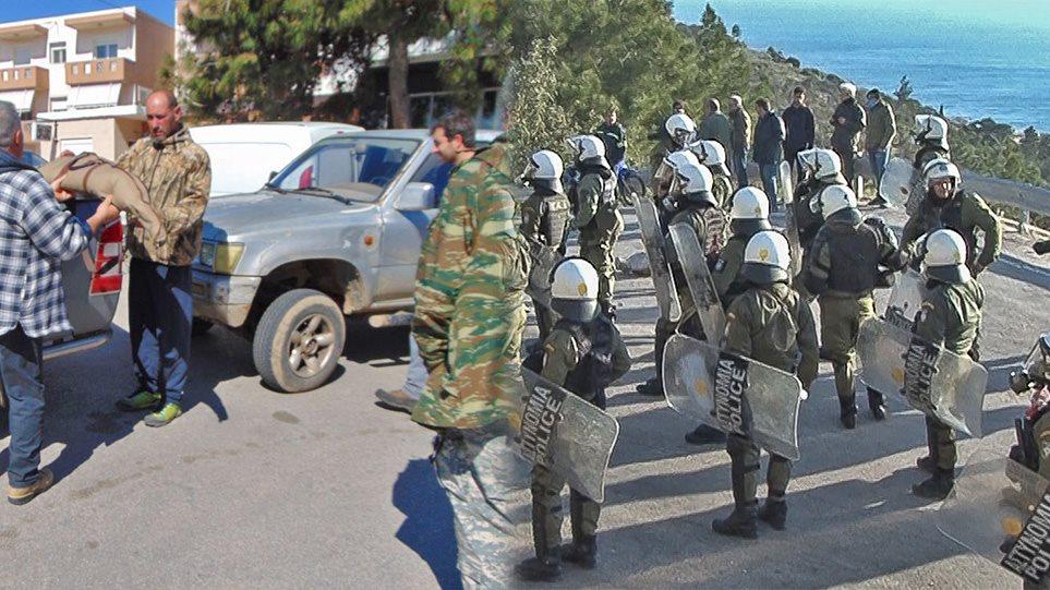 """Μεταναστευτικό- Χίος: Κάτοικοι έκαναν """"ΝΤΟΥ"""" σε ξενοδοχείο που μένουν αστυνομικοί – Εθνοφύλακες πήγαν να παραδώσουν τα όπλα τους! (ΒΙΝΤΕΟ)"""