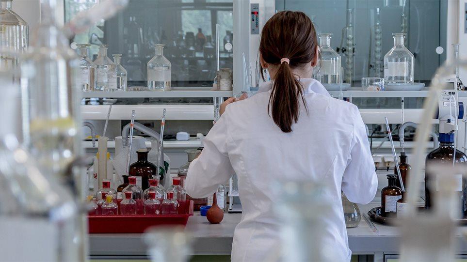 Σύγκρουση Ελλήνων επιστημόνων για εμβόλιο της φυματίωσης: Διέσωσε την Ελλάδα από τον κορωνοϊό αλλά κάποιοι δεν το θέλουν