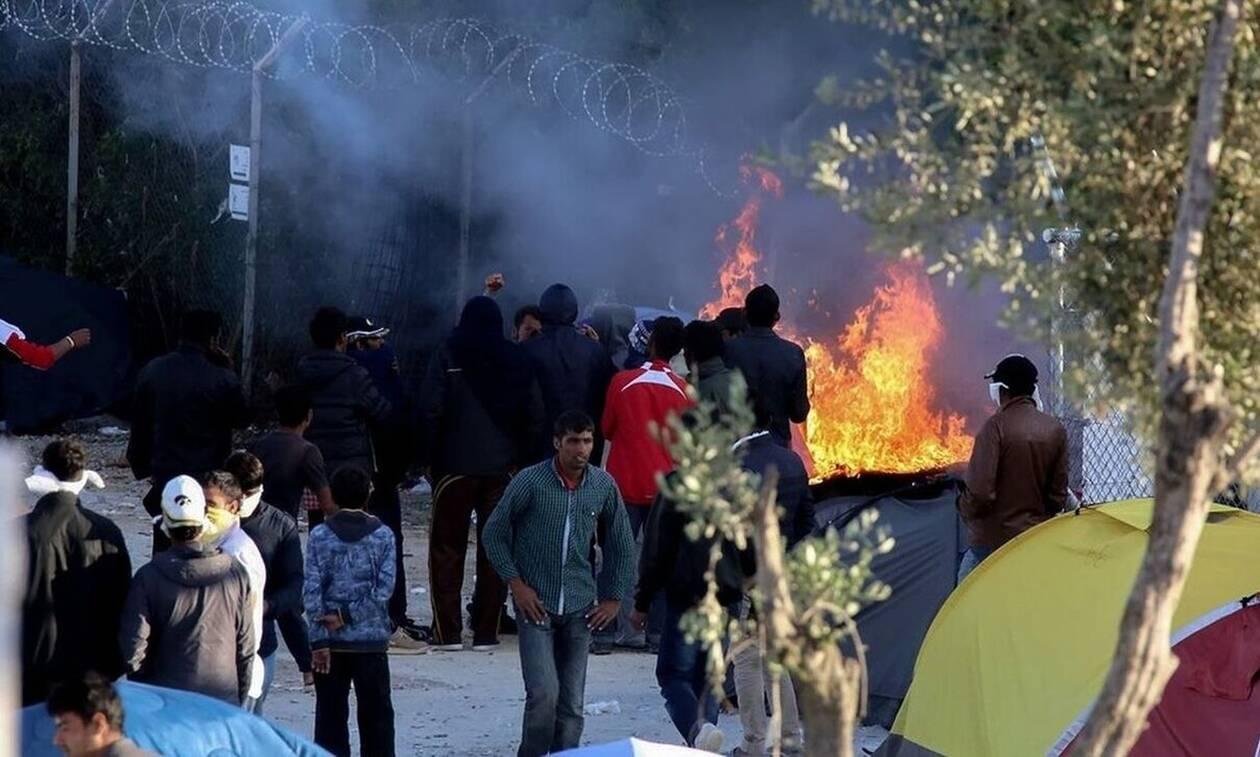 Άγρια επεισόδια με τους παράνομους μετανάστες στη Μόρια! Πετροβολούν ο ένας τον άλλον – Επέμβαση της ΕΛ.ΑΣ – Ρημάζουν τα νησιά μας! (ΦΩΤΟ)