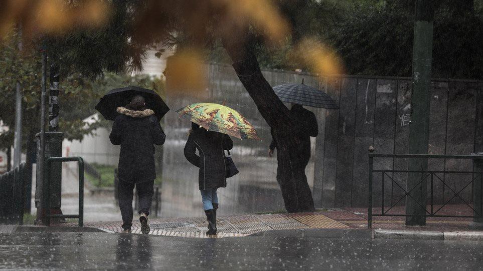 Καιρός: Κακοκαιρία εξπρές από την Παρασκευή – Έρχονται καταιγίδες και ισχυροί άνεμοι