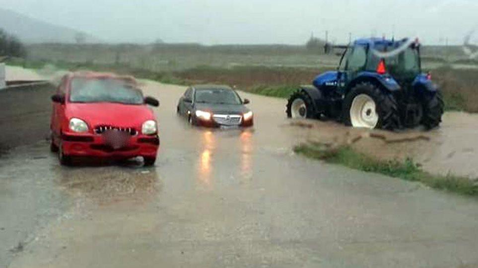 Κακοκαιρία «Διδώ»: Πλημμύρισαν τα παράλια της Αγιάς στη Λάρισα – Αποκλεισμένοι οι κάτοικοι!