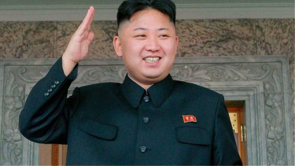Ο Κιμ Γιόνγκ Ουν λέει ότι η χώρα του δεν έχει ούτε ένα κρούσμα κορωνοϊού!