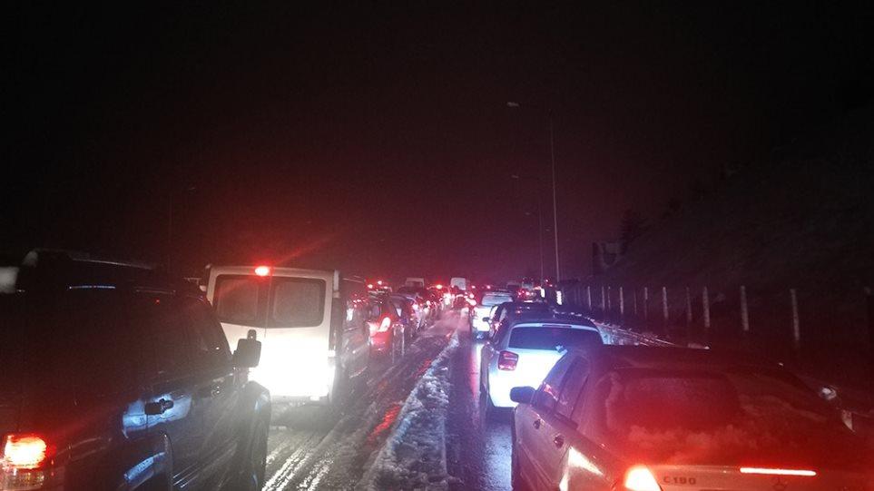Κίνηση: Χάος στους δρόμους της Αθήνας – Ποιοι δρόμοι έχουν κλείσει λόγω κακοκαιρίας!
