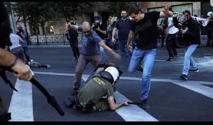 Δύο 24ωρα από την επίθεση του ΠΑΜΕ στους αστυνομικούς ΚΑΙ δεν έχει παρέμβει ακόμη Εισαγγελέας! (φωτο)
