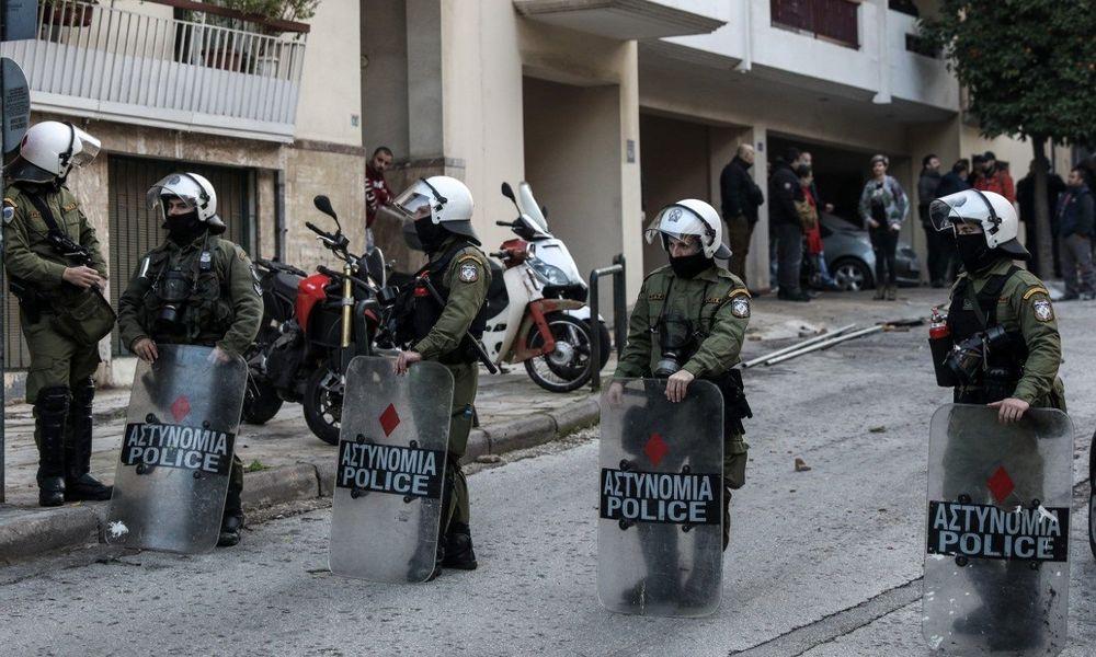 Κάμερες και διακριτικά στα ΜΑΤ για την αποκατάσταση της αλήθειας στην «αστυνομική βία» (ΒΙΝΤΕΟ)