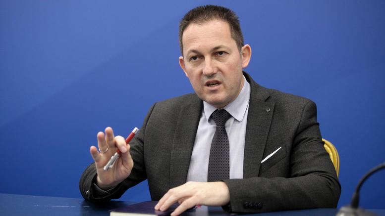 Στέλιος Πέτσας: Ο νέος κυβερνητικός εκπρόσωπος – Το απόγευμα η νέα κυβέρνηση – Όλα τα ονόματα που παίζουν για τα υπουργεία