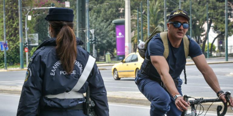 Κορωνοϊός: Οι λόγοι που οι Ελληνες πειθάρχησαν στα περιοριστικά μέτρα