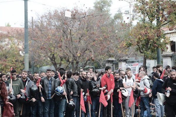 Πολυτεχνείο: «Νεκρώνει» η Αθήνα κλείνουν δρόμοι και μετρό-Σε εφαρμογή το σχέδιο της ΕΛΑΣ! (Βίντεο)