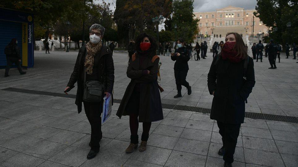 Κορωνοϊός: Η Αττική στο «κόκκινο» με σχεδόν τα μισά από τα νέα κρούσματα