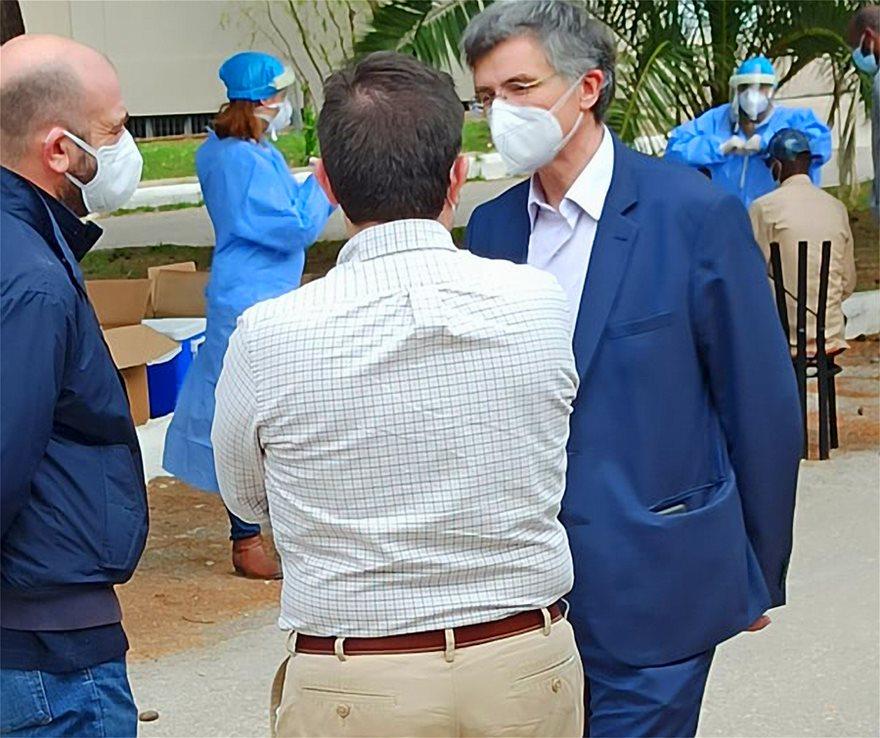 Κρούσμα κορωνοϊού σε ξενοδοχείο με μετανάστες στο Κρανίδι – Επιτόπου Χαρδαλιάς, Τσιόδρας, Μηταράκης