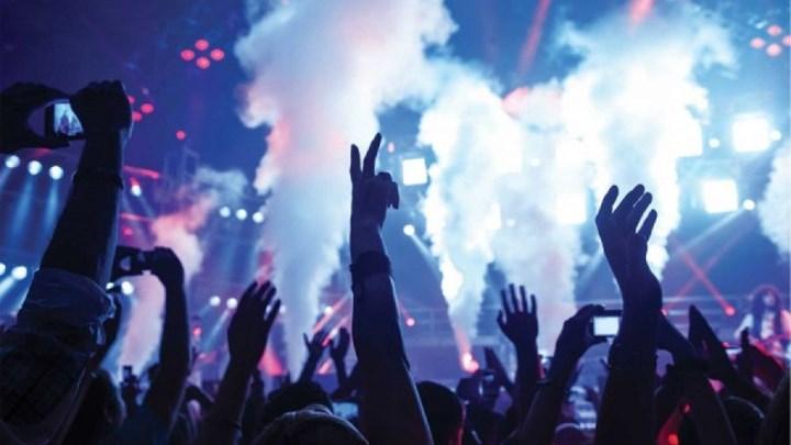 """Χαλκιδική: Χαμός σε μπαρ για γνωστό ράπερ – """"Λουκέτο"""" τα ξημερώματα"""
