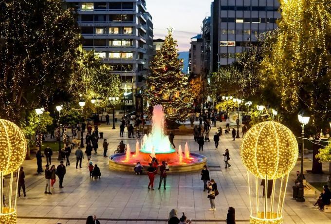 Το σχέδιο της ΕΛ.ΑΣ. για τα Χριστούγεννα: Κλειστοί δρόμοι και Μετρό, έλεγχοι και SMS στο 13033!