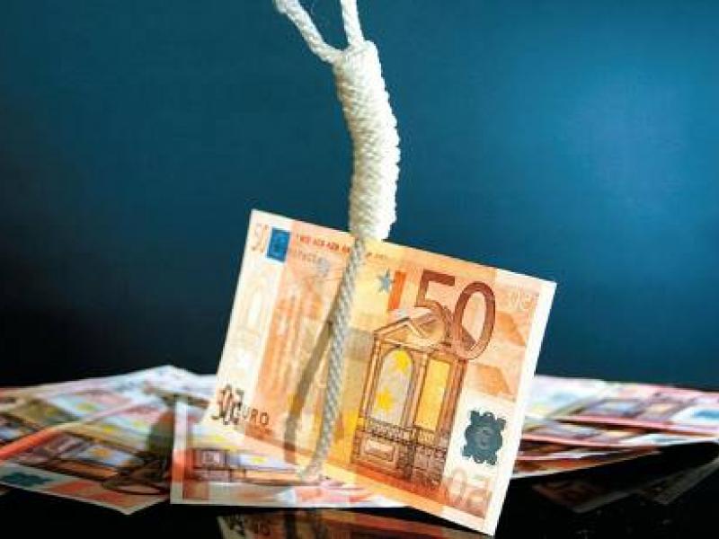 «Colpo grosso» με λεία 1.000.000.000€ για τις τέσσερις συστημικές τράπεζες (από χρεώσεις-φωτιά… στην υγειά των κορόιδων)