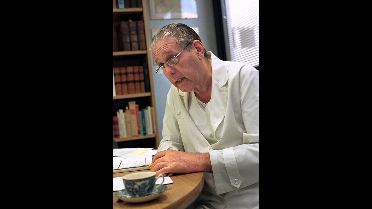 René Favaloro: Ποιος είναι ο χειρουργός που τιμά το Doodle της Google (φωτο)