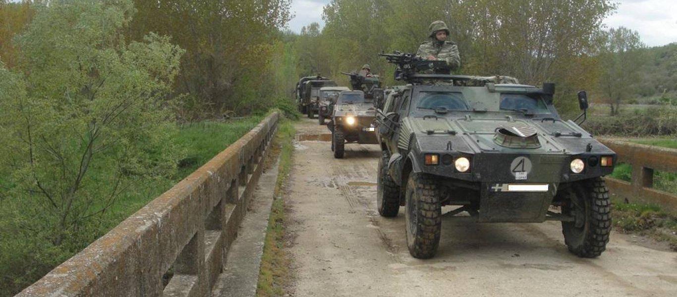 ΕΚΤΑΚΤΟ: Τεθωρακισμένα οχήματα του Στρατού αναπτύσσονται απέναντι από παράνομους μετανάστες στον Έβρο! (βίντεο)