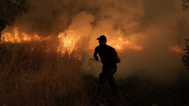 Φωτιά στην Ηλεία: Σε διαθεσιμότητα ο ταξίαρχος που φέρεται να ζήτησε μέσο για να στείλει πυροσβεστικό