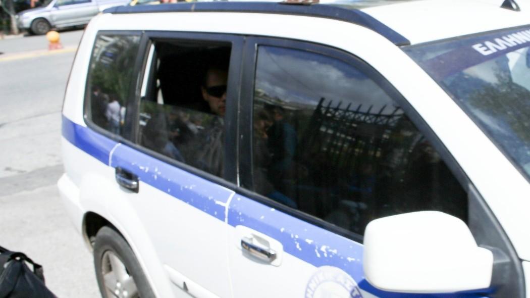 Επίθεση σε αξιωματικό της ΕΛ.ΑΣ. – Ερευνάται η σύνδεσή της με ομάδα