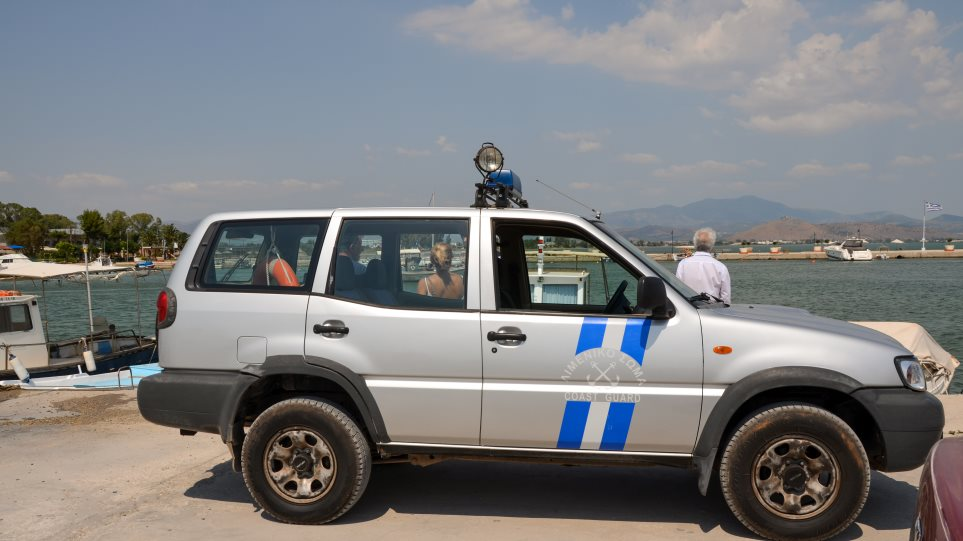 Ελευσίνα: Νεκρός αλλοδαπός κρατούμενος στο Κεντρικό Λιμεναρχείο – Κατηγορίες για ασέλγεια σε ανήλικη