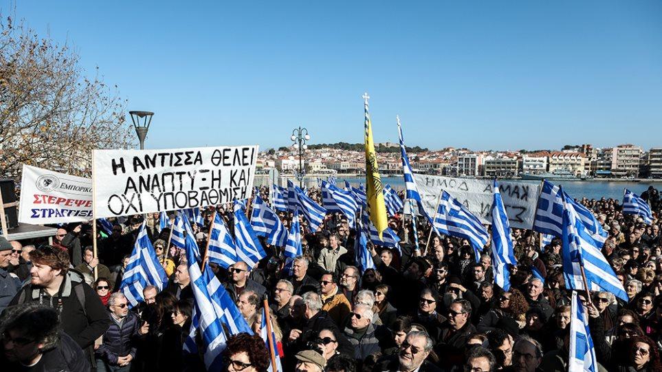 Μεταναστευτικό: Γενική απεργία στα νησιά – Έρχονται Αθήνα οι φορείς του Βορείου Αιγαίου!