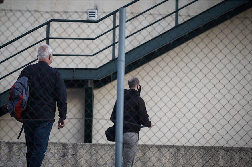 Έγκλημα στα Καλύβια: «Εμμονικό» βλέπει η ΕΛΑΣ πίσω από τη δολοφονία του υπαλλήλου στο Κέντρο Υγείας