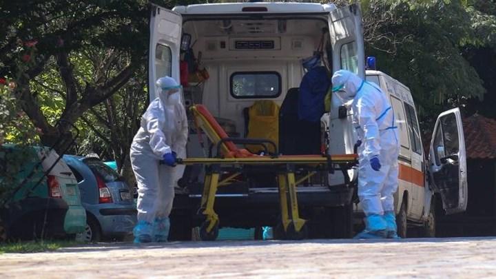 Κορωνοϊός: Συναγερμός στα γηροκομεία μετά τον Άγιο Παντελεήμονα – 13.500 ηλικιωμένοι ευάλωτοι στον ιό