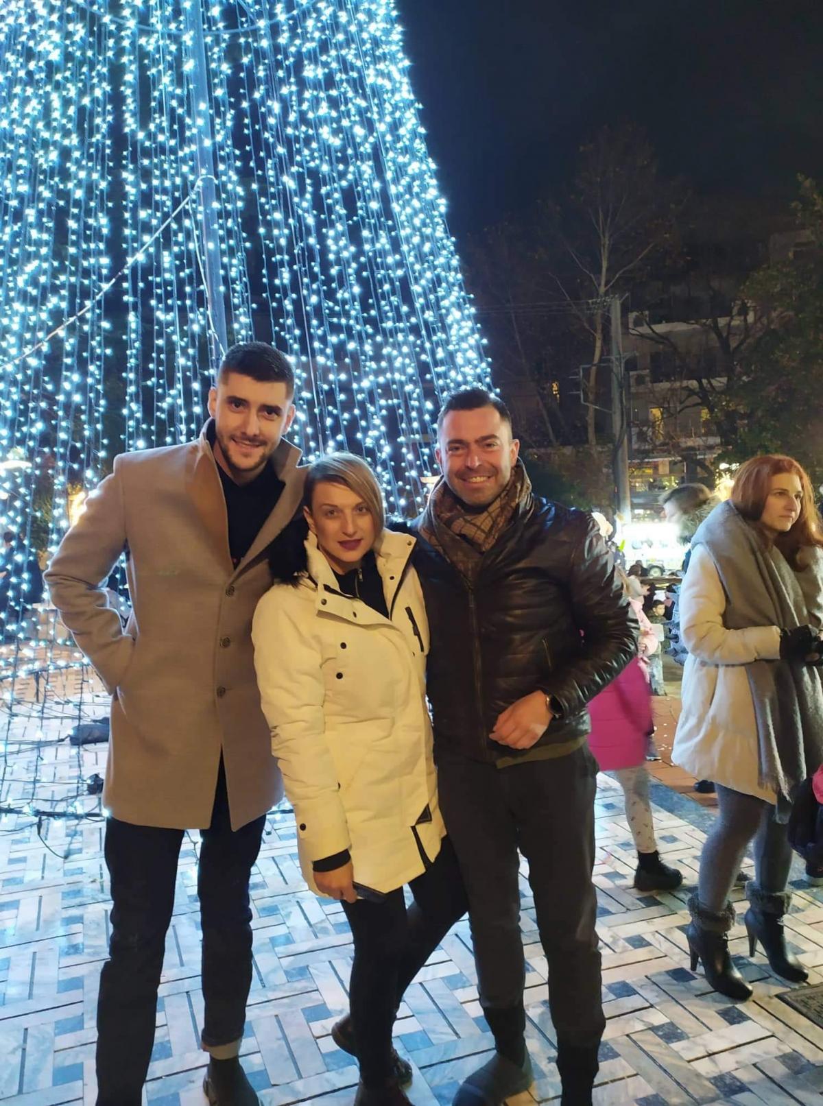 Μαγική βραδιά στην Έδεσσα: Φωταγωγήθηκε το Χριστουγεννιάτικο δέντρο κάτω από την τελευταία πανσέληνο του έτους! (ΦΩΤΟ&ΒΙΝΤΕΟ)