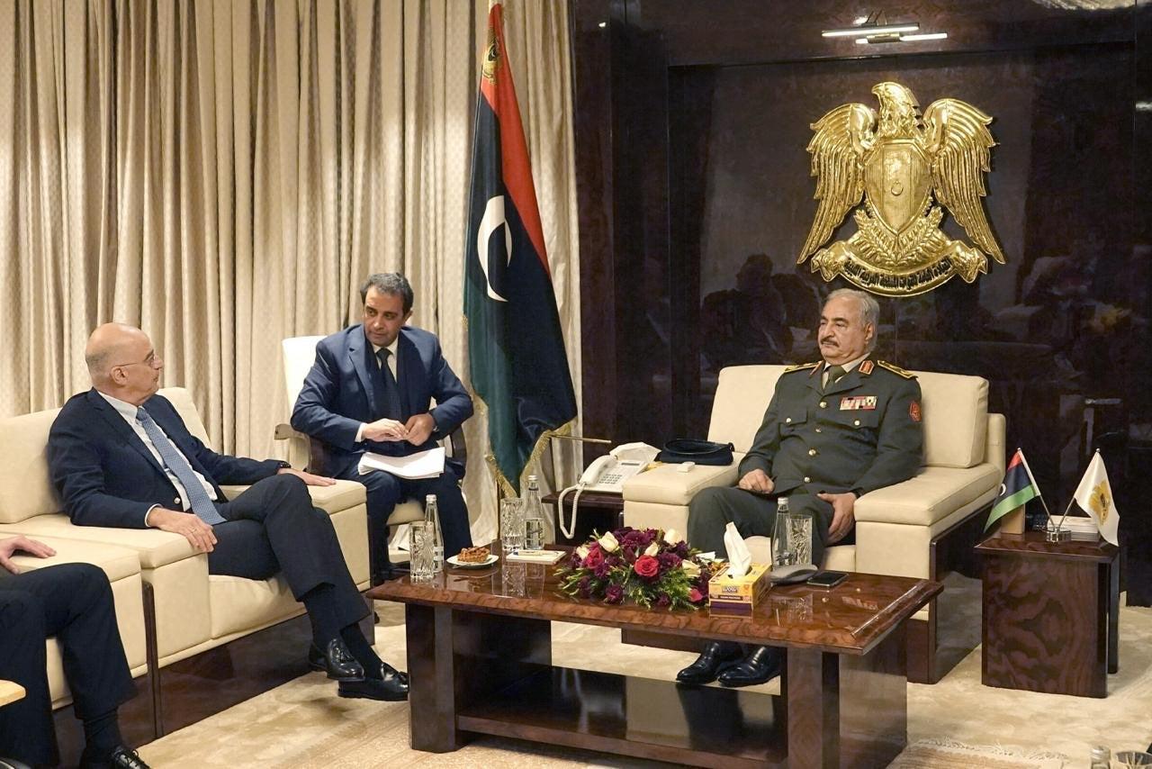 Ιστορική επίσκεψη Δένδια στη Λιβύη: Ελληνικό προξενείο, επενδύσεις & ανοικοδόμηση της χώρας θέλει η κυβέρνηση Χαφτάρ – «Ουρλιάζει» ο Ερντογάν!