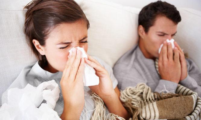 Γρίπη, ιώσεις, ιλαρά: Για πόσες μέρες «κολλάτε» τους άλλους