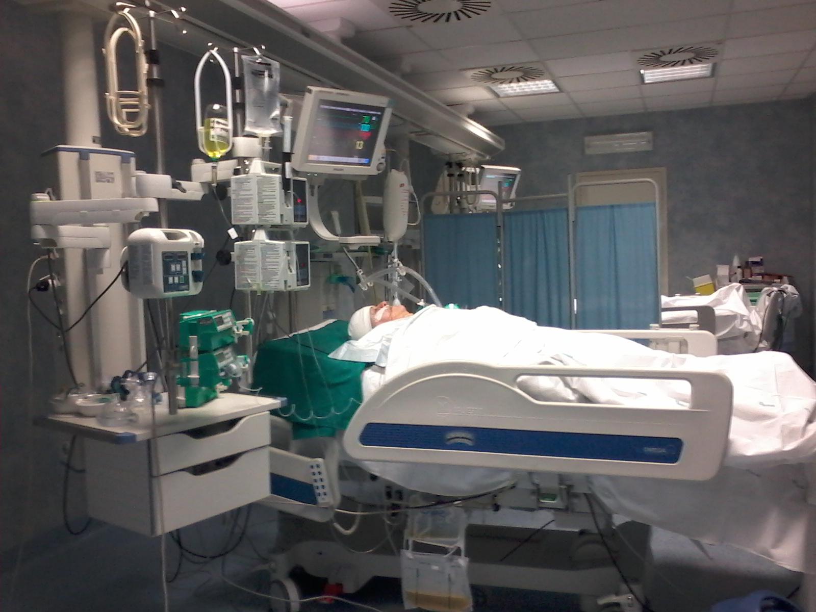 Ασφυξία στα νοσοκομεία από το τσουνάμι εισαγωγών
