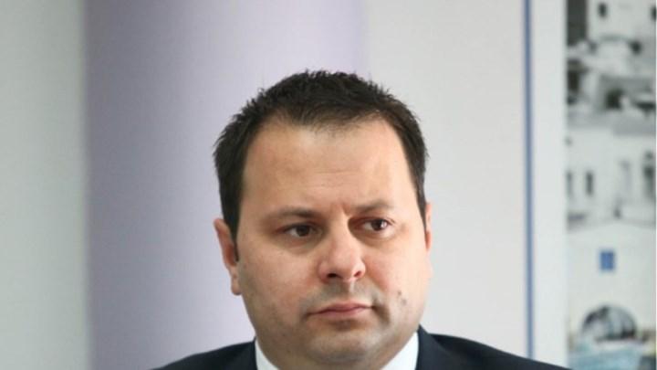 Σταμπουλίδης: Δεν θα υπάρξει καμία δραστηριότητα τη Δευτέρα – Τι θα γίνει με μετακινήσεις και κομμωτήρια!