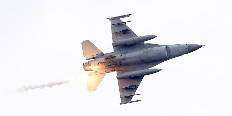 Στο «κόκκινο» η τουρκική προκλητικότητα: 50 παραβιάσεις και τρεις εικονικές αερομαχίες!