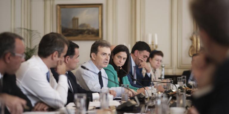 Αυστηρές ρυθμίσεις Χρυσοχοΐδη για τους μετανάστες, μετά το χάος -Οχι σε όλα, λέει ο ΣΥΡΙΖΑ!