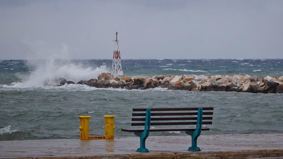 Καιρός: Φθινόπωρο, με πτώση της θερμοκρασίας και ανέμους έως 8 μποφόρ!