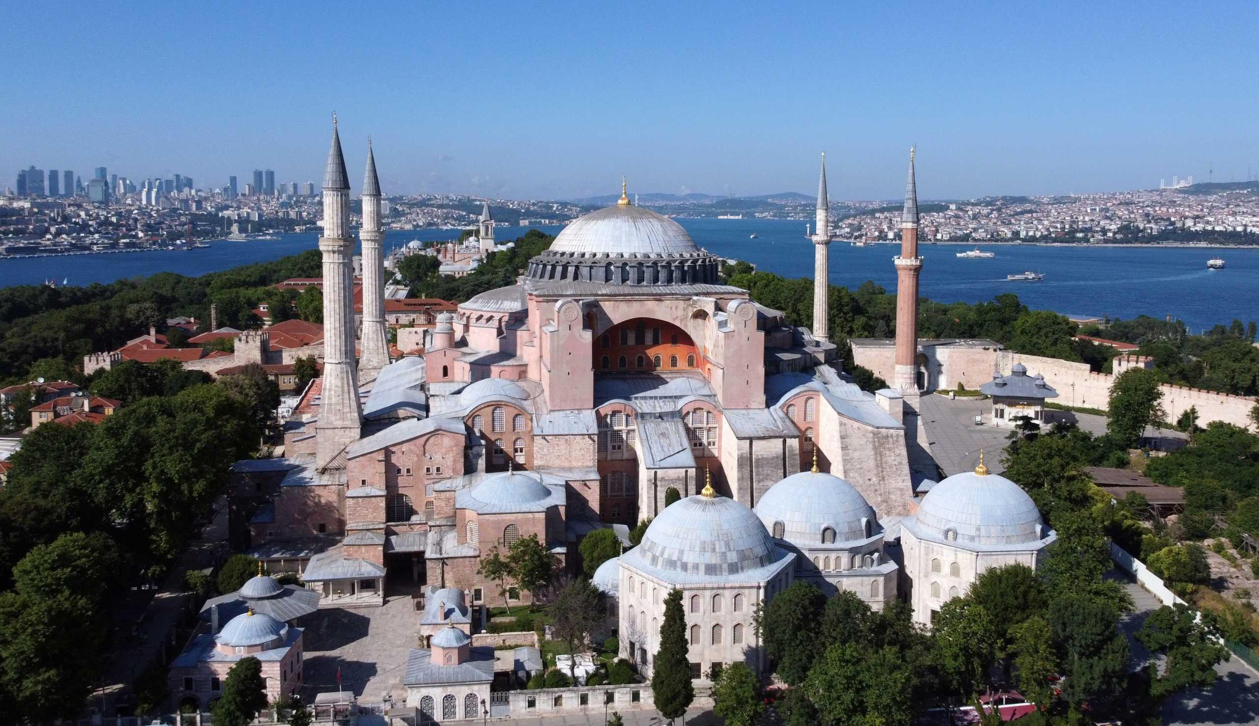 Γιατί ο Ερντογάν θέλει την Αγιά Σοφιά τζαμί: Ένας Τούρκος θεολόγος «ξεγυμνώνει» τον «σουλτάνο»