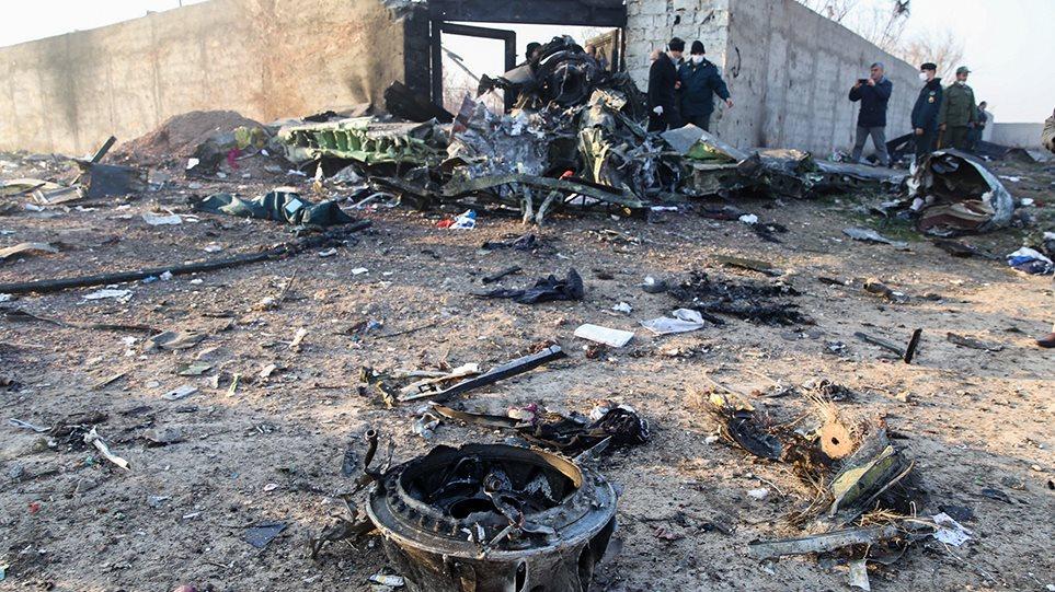 Συντριβή ουκρανικού Boeing στο Ιράν: Θα ερευνηθεί και το σενάριο τρομοκρατικού χτυπήματος! (ΦΩΤΟ&ΒΙΝΤΕΟ)