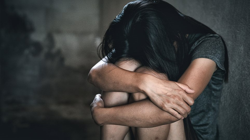 Νέα υπόθεση βιασμού 16χρονης αναστατώνει τη Ρόδο – Συνελήφθησαν τέσσερις νεαροί