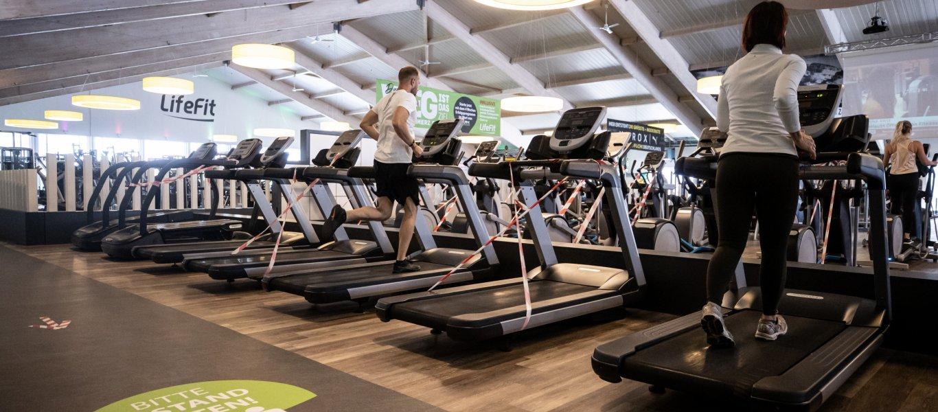Τα νέα μέτρα που έρχονται: Κλείνουν γυμναστήρια – Θα τρώμε με μάσκες στην εστίαση!